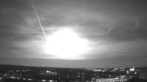 Bolide verde illumina il cielo del Midwest, il video