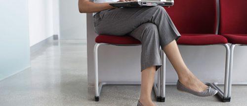 Gambe accavallate: i danni alla salute di una postura scorretta
