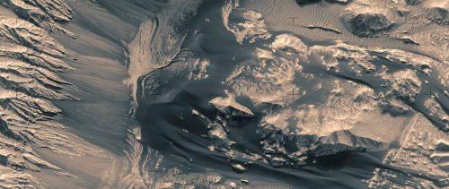 Marte: i monti e le valli del pianeta rosso in un video spettacolare