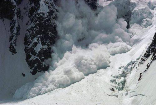 Valanga a Courmayeur, travolti sciatori: tre morti e cinque feriti