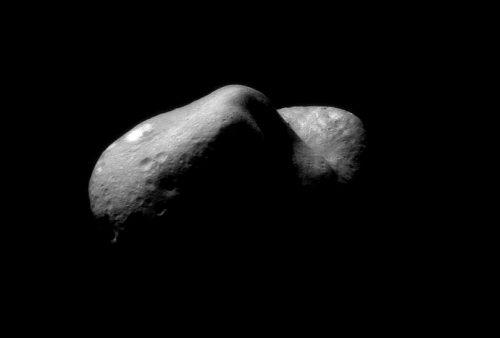 Asteroide sfiora la Terra: nuovo passaggio record
