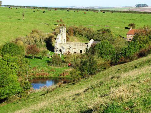 Inghilterra: mutilazioni di cadaveri per il terrore degli zombi