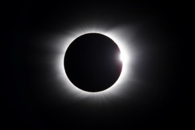 Eclissi totale di Sole: iniziato il countdown