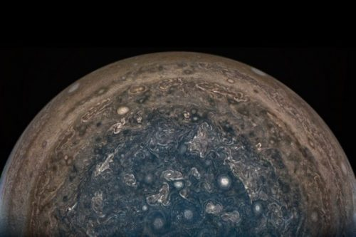 Giove non è quello che ci aspettavamo: i dati della sonda Juno