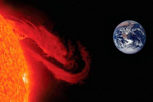 Espulsione di massa coronale del Sole: particelle cariche verso la Terra