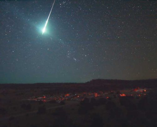 Stelle cadenti, in arrivo le Alfa Scorpidi le 'colorate' meteore di maggio