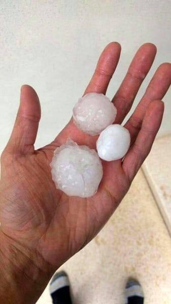Grandine Milano: tempesta sulla città, chicchi di ghiaccio fino a 5 cm in Veneto