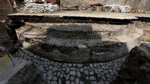 Messico: portato alla luce uno stadio di 'calcio' azteco
