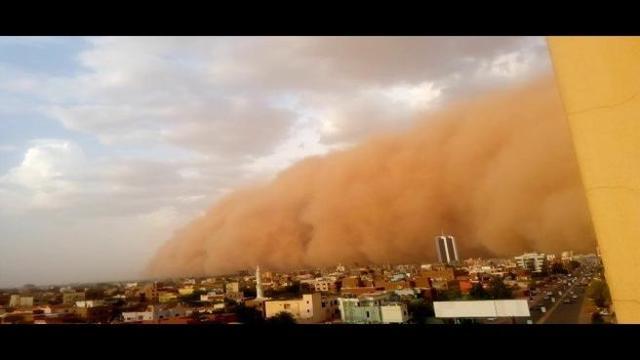 Kartum: spaventosa tempesta di sabbia inghiotte la città, il video