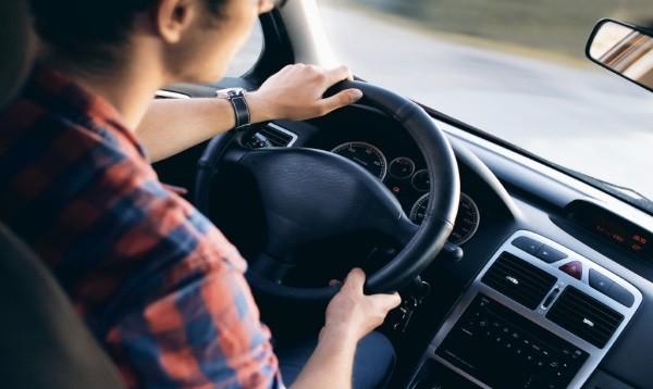 Guidare diminuisce l'intelligenza: la ricerca inglese