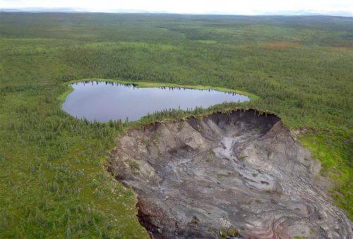 Canada: lo scioglimento del permafrost provoca enormi crateri