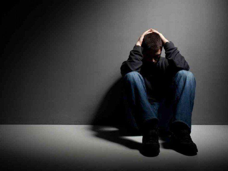 Depressione: i primi sintomi nelle immagini pubblicate sui social