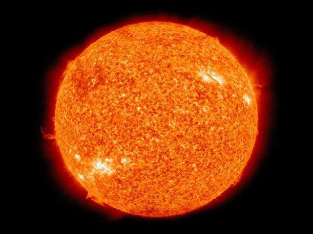 Sole: il nucleo ruota ad una velocità quadrupla rispetto alla superficie