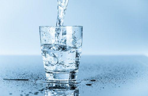 Salute: scoperte ingenti quantità di plastica nell'acqua potabile