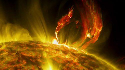 Spazio: altre due potenti eruzioni solari, tempesta magnetica in corso