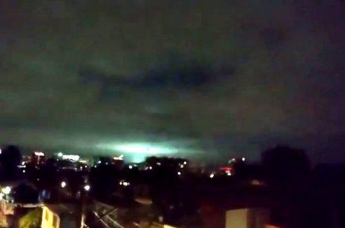 Luci telluriche: avvistamenti a Città del Messico durante il terremoto, il video