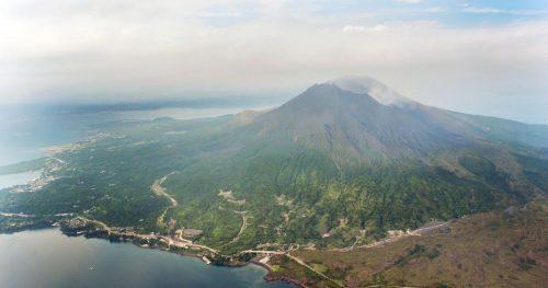 Giappone: il vulcano Sakurajima esplode in diretta, il video