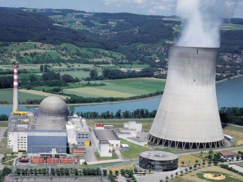 Centrali nucleari, in Francia le piscine di raffreddamento sono un pericolo