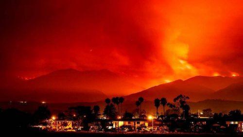 Incendi California: undici morti, 20.000 evacuati e 1.500 case incenerite