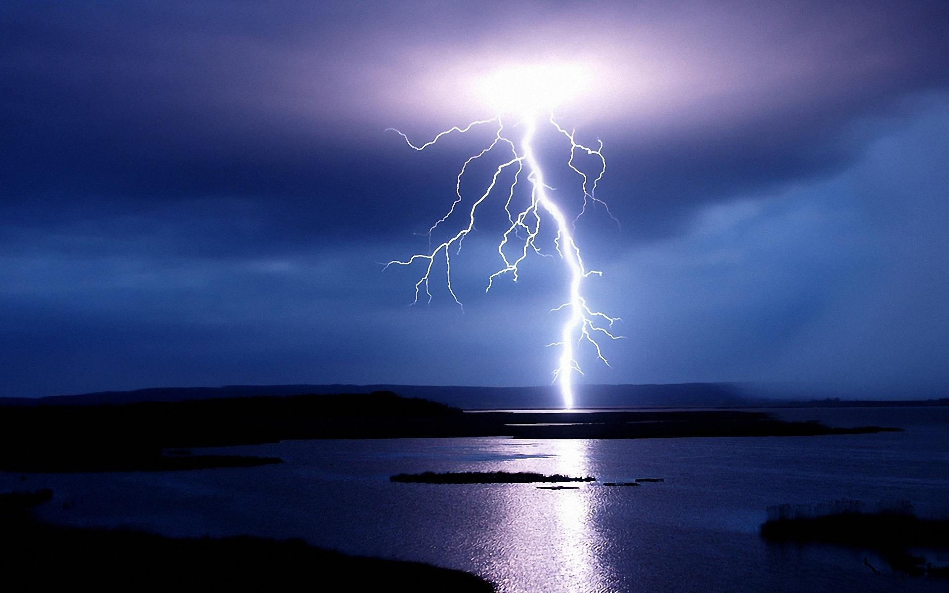 I fulmini dei temporali producono antimateria: la studio giapponese