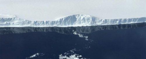 Antartide: le prime immagini del colossale iceberg A 68