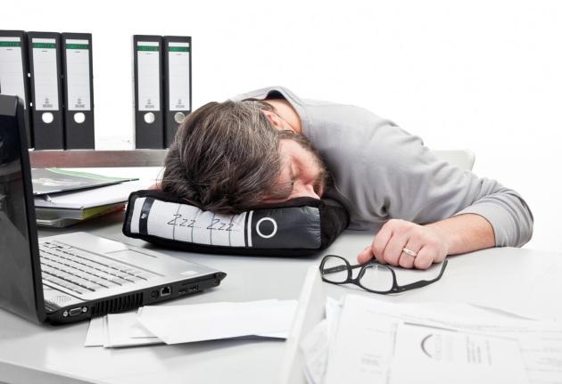 Mancanza di sonno e cervello: ecco come i neuroni reagiscono alla sonnolenza