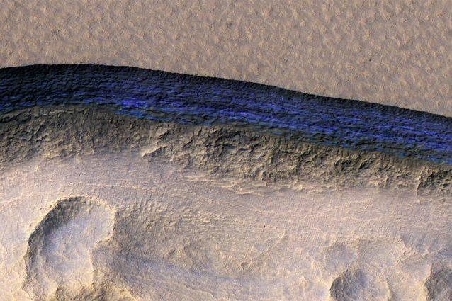 Marte: scoperti enormi depositi di ghiaccio