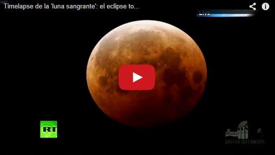 Eclissi totale di Luna oggi: straordinario timelapse dell'ultimo evento