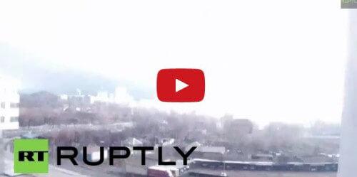 Strana scia luminosa illumina a giorno parte dell'Ucraina: cittadini divisi tra panico e stupore