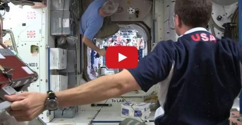 In Italia conta solo il calcio e non le missioni sulla Stazione spaziale: interesserà allora il calcio sulla ISS?