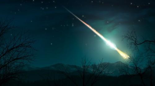 Enorme meteorite sorvola i cieli del Sud Italia: molte le segnalazioni