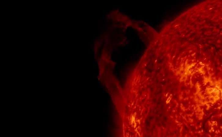 Macchia solare a rischio esplosione, nella notte 4 flare di classe C