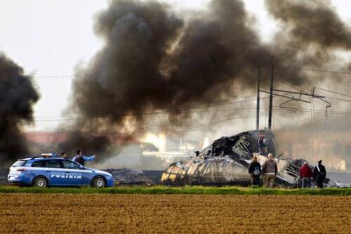 Disastro aereo Francia: nessuno è riuscito a salvarsi, foto del luogo dell'incidente