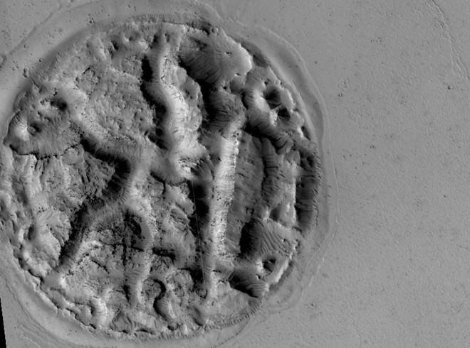 Strane forme osservate sulla superficie di Marte, per gli esperti è segno di un precedente vulcanismo