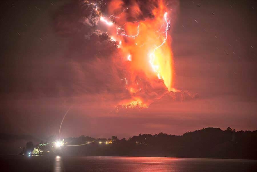Eruzione Calbuco: timelapse della tempesta di fulmini