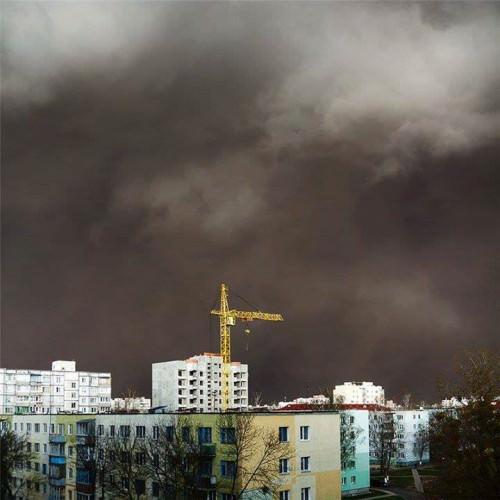Haboob su Ucraina e Bielorussia: imponenti tempeste di sabbia, aeroporti chiusi, il video