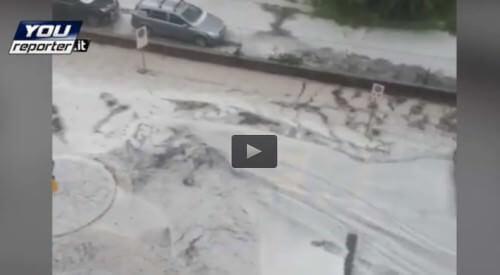 Grandine Torino: imponente temporale in atto da un'ora, il video