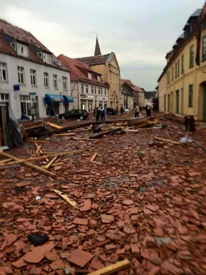 Tornado devasta due cittadine nel Nord della Germania