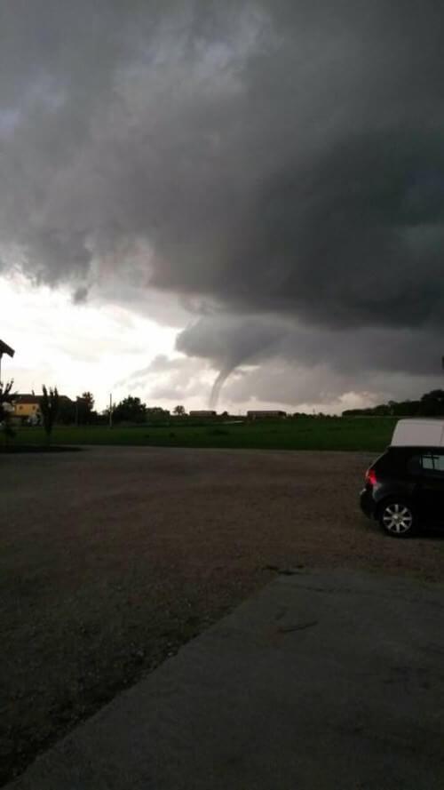 Tornado in Emilia-Romagna: ha toccato terra nella provincia di Ferrara, in zona Comacchio
