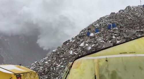 Valanga sull'Everest in occasione del secondo terremoto in Nepal: video tremendo