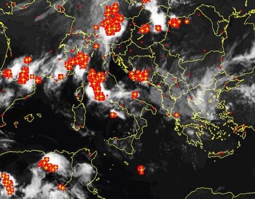 Temporali oggi 8 Giugno sull'Italia: grandine da Nord a Sud, perchè tanta instabilità?