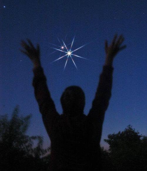 Congiunzione Venere Giove: stasera saranno così vicini da sembrare un corpo solo