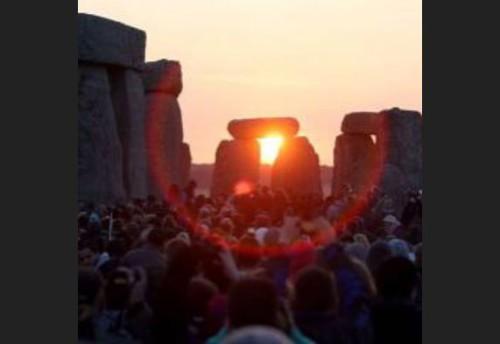 Festa del solstizio d'Estate, in 23.000 a Stonehenge