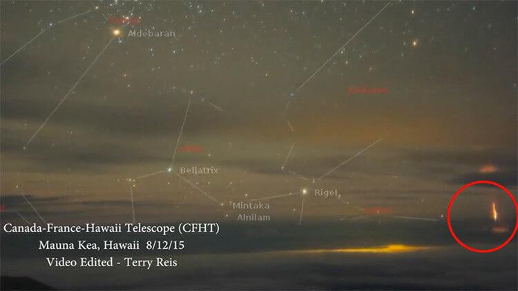 Misterioso fenomeno color rosso fotografato sopra l'uragano Hilda, il video