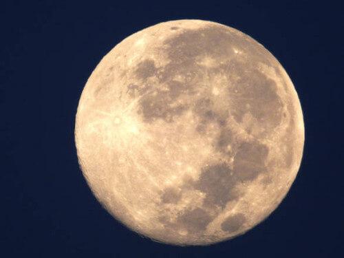 Superluna: cosa è e quando la rivedremo