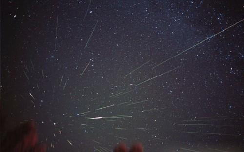 Scoperti e identificati 86 nuovi sciami meteorici
