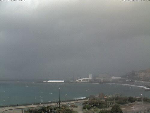 Maltempo Liguria, Genova sotto pesante nubifragio, temporali stazionari nelle prossime ore