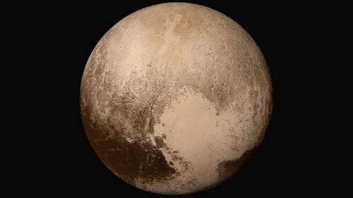 C'è vita su Plutone? La nuova teoria di Brian Cox