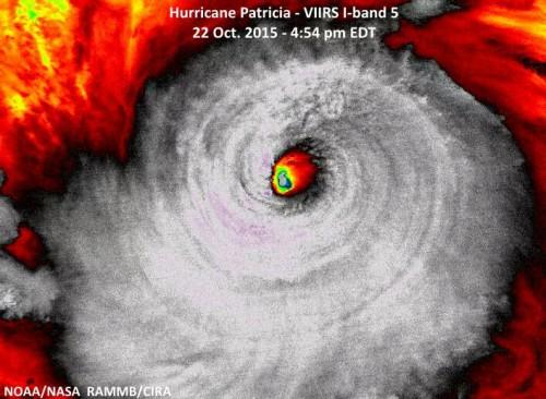 Uragano Patricia diretto verso il Messico: è devastante, rischio catastrofe