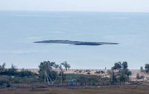 Isola di Fango nel Mar d'Azov: è colpa di un vulcano